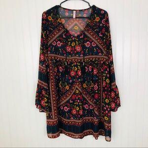 Tops - Large black floral print semi sheer tunic